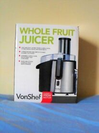 VonShef 990W Whole Fruit Juicer Brand New in Box. Powerful Motor.