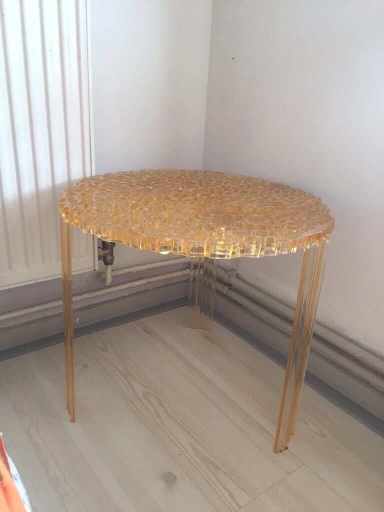 Modern round Kartell T-Table coffee, side or end table by Patricia ...