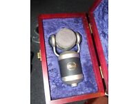 Blue Mouse Condenser microphone bass drum