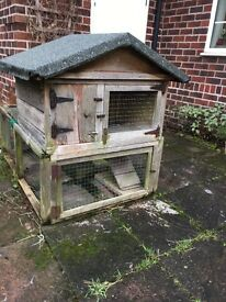 Guinea pig/rabbit hutch with ramp