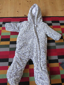 Baby Snowsuit - age 3-6 months (brand new never used)