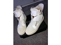 Men's new guiseppe zanotti trainers size 8.5 , will fit a size 9