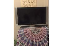"""LG 32"""" TV and Remote"""