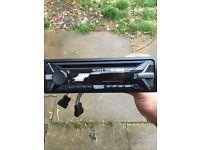 Sony car stereo / CD player CDX-G1100U