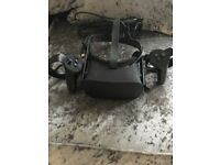 Oculus with 2 controllers used