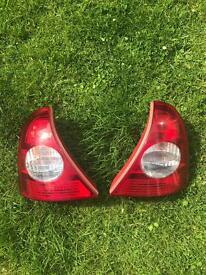 Renault clio rear light unit