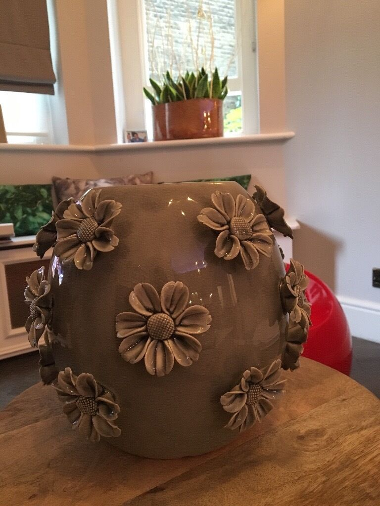 Ceramic grey vasein Chelsea, LondonGumtree - Ceramic grey vase, mint condition, almost new. Bought recently from boutique on Kings Road