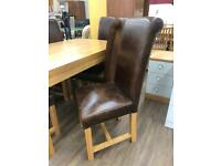 Solid oak dining table and 6 chairsv