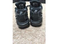 Kids Nike air max trainers size 5.5 uk