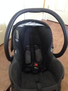 Black Maxi Cosi Micro Infant Car seat and Base