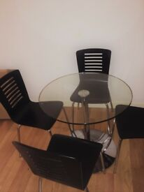 Kudos Glass Pedestal Table and 4 chairs