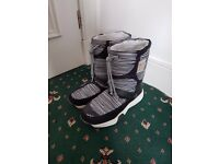 Roxy black and white winter snow boots UK7 EU41