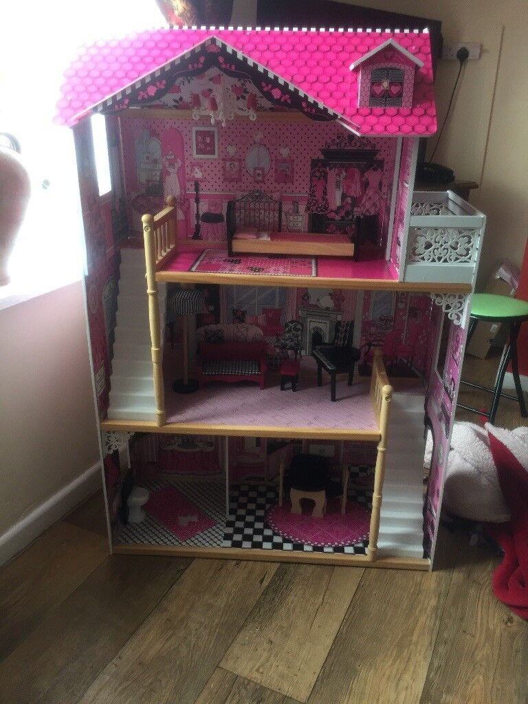 Luxury good quality Children's play house / doll house