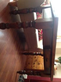 Solid wood dinning table, in good condition