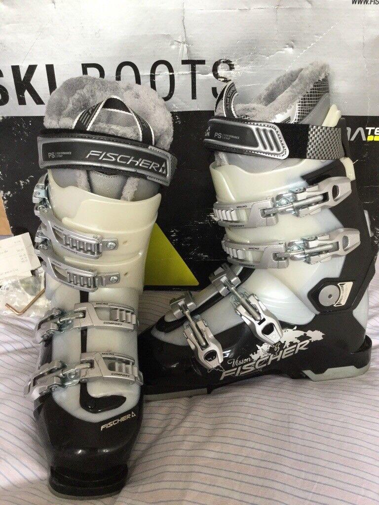 Fischer Ski Boots Size 24.5 = UK 5 Worn once