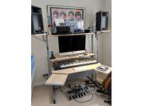 Music computer workstaion