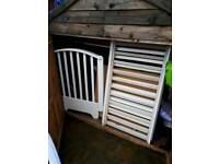WHITE COT IN GOOD USED CONDITION