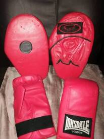 Boxing training pars and gloves