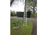 Double Extension ladder 24 rung - metal approx 3m long in closed position