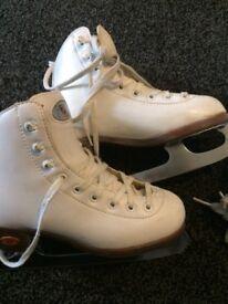 Ice skates x 2