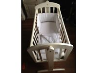 MAMAS & PAPAS WHITE WOODEN SWINGING COT/CRIB INCLUDES BEDDING BUMPER ETC