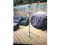 Portable whirly washing line