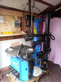 HOFMANN MEGAMOUNT 503 EVO AUTOMATIC LEVERLESS TYRE CHANGER HARDLY USED IN GREAT CONDITION