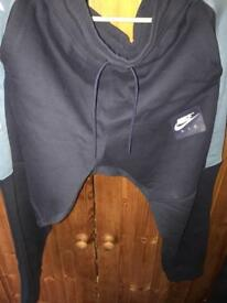 Nike air jogging bottoms fresh condition
