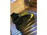 Football boots size 5 .5