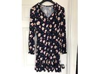 Ladies Floral Dress Size 10, worn once
