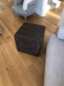 Pouffe/footstool