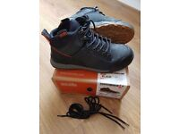 Scruffs Switchback Safety Shoes / Hiker Boots - black (Mint condition)