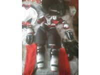 Petite Female Bauer Vapor Ice Hockey Kit