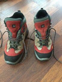 Ladies size 5 walking boots