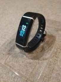 Brand new IP68 Waterproof Fitness Tracker, Colour Screen Heart Rate Monitor 14 Exercise Modes