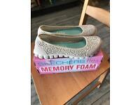 Sketchers flex memory foam brand new