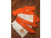 Football strip holland home kit age 6-7
