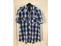Men's short sleeved shirt - size large