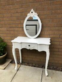 Dressing table with wall mirror 💕