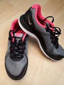 Nike trainers 3.5