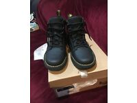 Dr Martens boots - black size 7 brand new in box