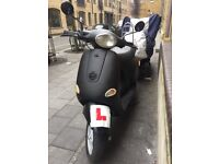 Vespa et4 125 MUST VIEW