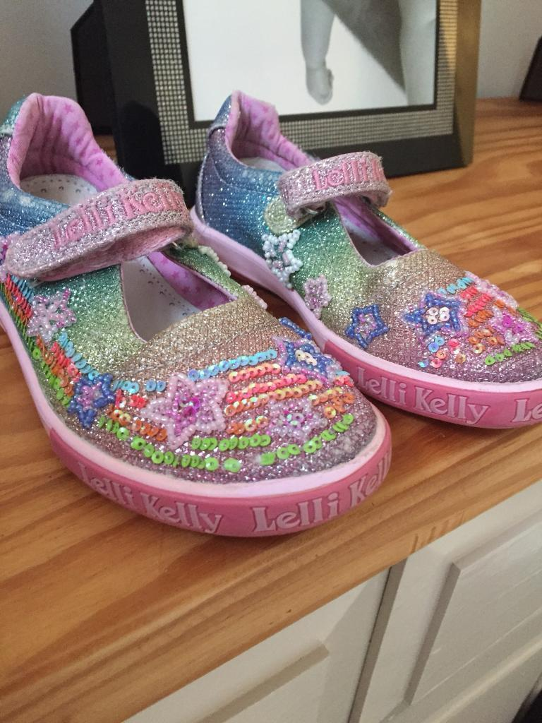 Lelli Kelli shoes size 11