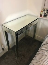 Mirrored dressing table perfect condition