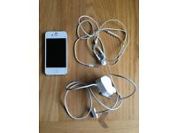 Apple iPhone 4s - White - 8gb - unlocked for use on any network