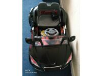 TODDLER AUDI STYLE REMOTE CONTROL CAR UPTO 30MPH (SPARES & REPAIRS)-DAMAGED CHARGER, NEEDS A CHARGER