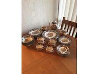 Royal Worcester Group Game series Dinner & Tea Set (39 Pieces)