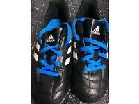 Adidas football boots kids size 13UK