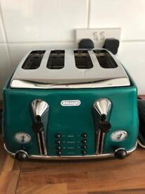 DeLonghi kettle and toaster in green