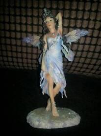 The leonardo collection fairy figure